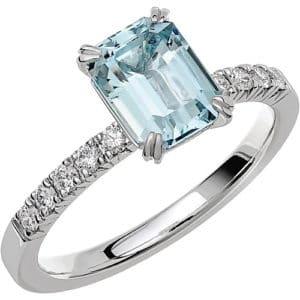 Ring från Schalins FAIRYTALE 2 Akvamarin på 1,40 ct / diamanter på 0,20 ct WSI i 18k vitguld