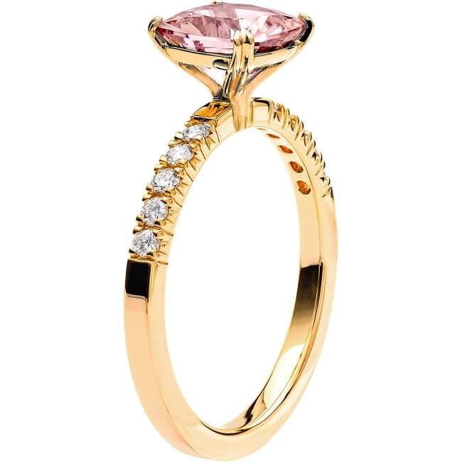Ring från Schalins Fairytale 6/ Morganit 7,5 mm/ diamanter 0,20 ct i 18k guld