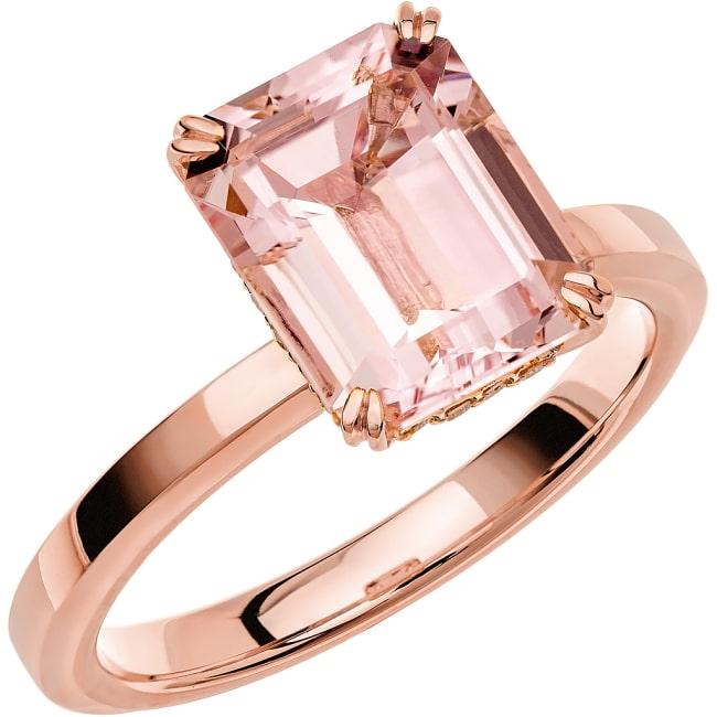 Ring från Schalins Fairytale 13/ Morganit 10x8 mm/ diamanter 0,10 ct i 18k roseguld