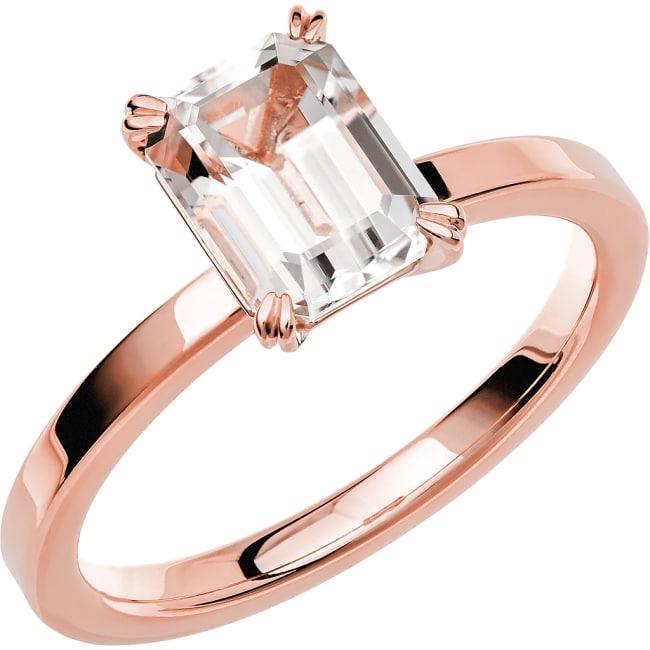 Schalins Ring i 18k roseguld med en Smaragdslipad Snövit beryll sten, 8x6mm ca 1,40 ct