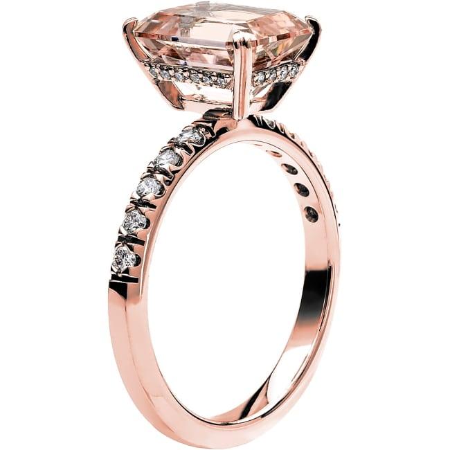 Ring från Schalins Fairytale 14/ Morganit 10x8 mm/ diamanter 0,30 ct i 18k roseguld