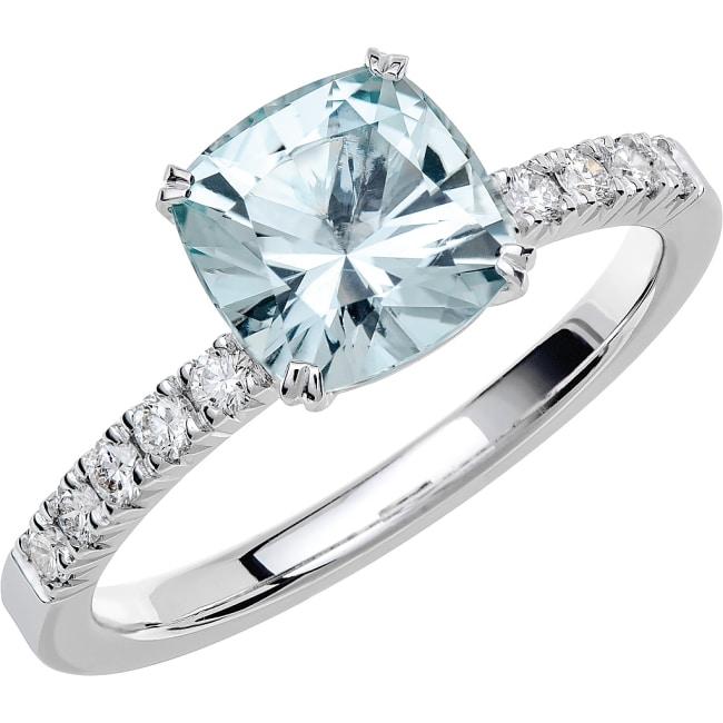 Ring från Schalins Fairytale 6/ Akvamarin 7,5 mm/ diamanter 0,20 ct i 18k vitguld
