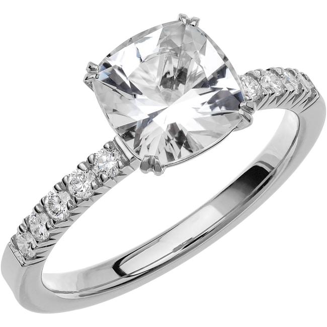 Ring från Schalins Fairytale 7/ Morganit 10x8 mm/ diamanter 0,22 ct i 18k guld