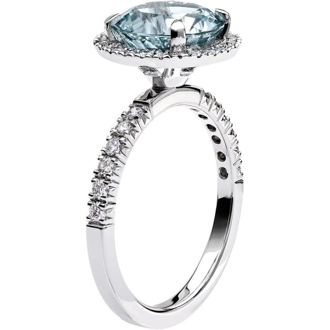 Ring från Schalins Fairytale 10/ Akvamarin 9,5 mm/ diamanter 0,48 ct i 18k vitguld