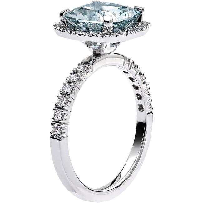 Ring från Schalins Fairytale 12/ Akvamarin 9 mm/ diamanter 0,48 ct i 18k vitguld