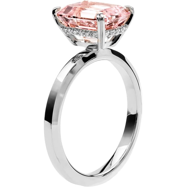 Ring från Schalins Fairytale 13/ Morganit 10x8 mm/ diamanter 0,10 ct i 18k vitguld