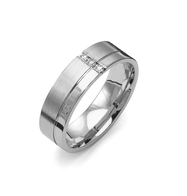 Förlovningsring från Flemming Uziel i 18k vitguld med 3st briljantslipade diamanter på 0,045 ct totalt Wesselton/SI